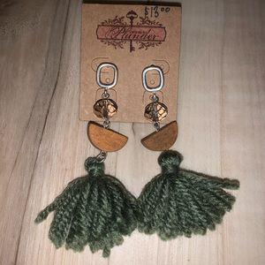 Adorable green fridge Plunder earrings